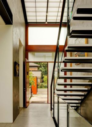 escalier et entrée - Capitol Hill par Balance Associates Architects - Seattle, Usa