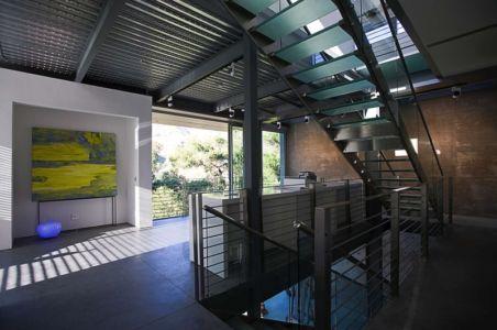escalier et mezzanine - Anthrazit House par Architects Magnus - Santa Barbara, Usa