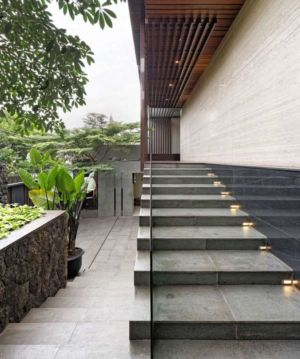 escalier extérieur - Ben House-GP par Wahana Architects - Jakarta, Indonésie