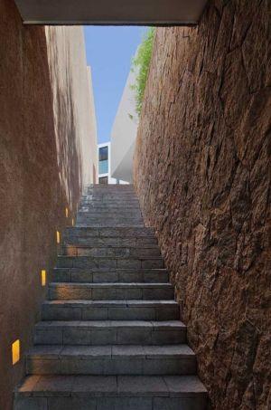 escalier extérieur - Casa Cardenas par ParqueHumano Valle de Bravo, Mexique