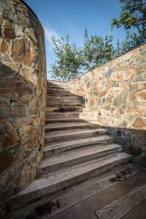 escalier extérieur - House in Q2 par Santiago Viale - Mendiolaza, Argentine