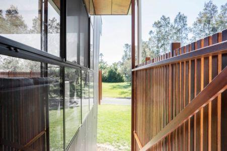 escalier extérieur - Northern Rivers Beach House par Refresh Architecture - South Golden Beach, Australie