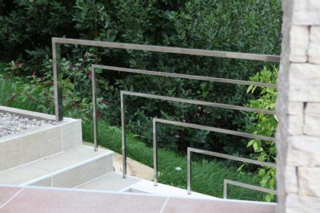 escalier extérieur - Vila-Stoliv par Enforma Architectural Studio - Montenegro