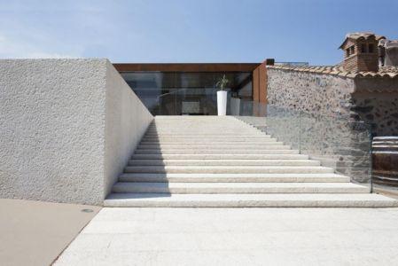 escalier extérieur entrée - Sicillian-Farm-Renovation par ACA Amore Campione Architettura - Sicile, Italie