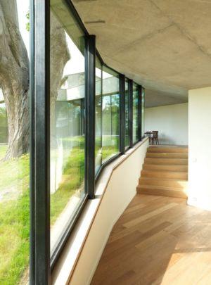 escalier intérieur - Maison PLJ par Hertweck Devernois Architectes Urbanistes, France - photo Siméon Levaillant