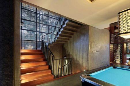 escalier intérieur - Villa Pecatu par Wahana Cipta Selaras - Pecatu, Indonésie