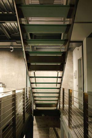 escalier métal - Anthrazit House par Architects Magnus - Santa Barbara, Usa