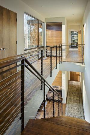 escalier - maison bois et pierre contemporaine - Sun Valley, Usa