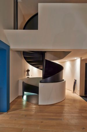 escalier monumental - Maison contemporaine par Hybre-architecte - Gradignan - photo Philippe Caume