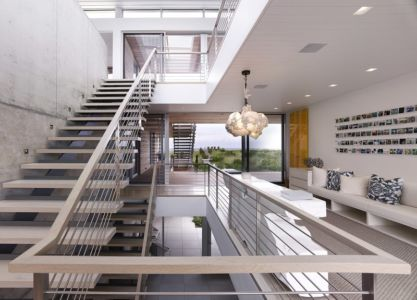 escalier monumental bois et acier - Ocean Deck House par Stelle Lomont Rouhani Architects - Bridgehampton, USA