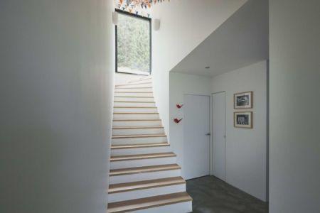 escalier niveau supérieur - House-Hillside par JDS Architects - France
