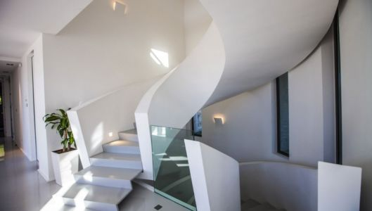 escalier sculptural - Villa Horizon - Arbonne - France