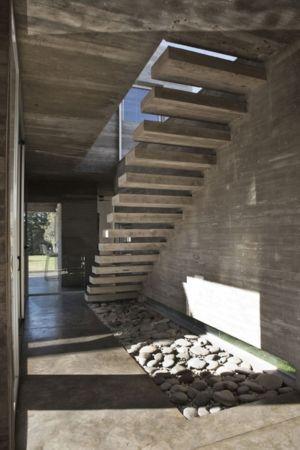 escalier suspendu - Torcuato House par BAK arquitectos - Buenos Aires Province, Argentine