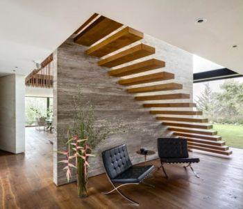 escalier suspendu en bois - Garden house par VGZ Architecture - Mexico, Mexique