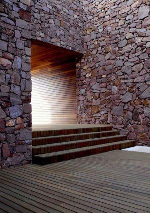 escalier entrée - Paz & Comedias House par Ramon Esteve - Sagunt, Espagne