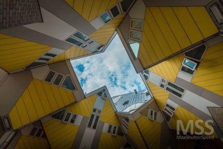 espace cubes encastrés - Cube-houses par Piet Blom - Rotterdam, Pays-Bas