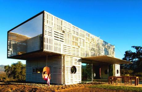 extérieur - Infiniski Manifesto House par james&mau arquitectura - Curacaví, Chili - photo Antonio Corcuera