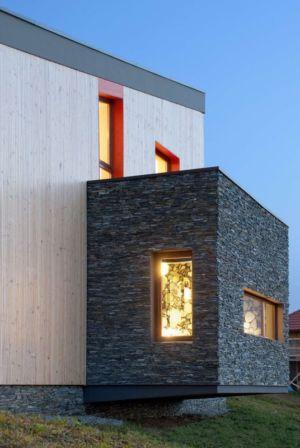 extension pièce en pierres - Hajdo-House par Blipsz Architecture - Odorheiu Secuiesc, Roumanie