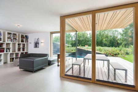 salon terrasse et baie vitrée - despang par Despang Schlüpmann Architekten - Allemagne