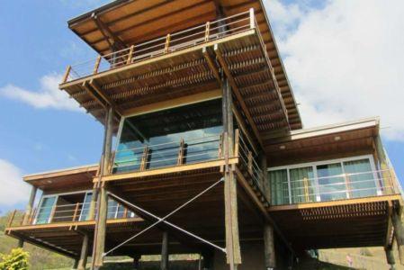 façade - Paraglider House par Cabana Arquitetos - São Bento do Sapucaí, Brésil