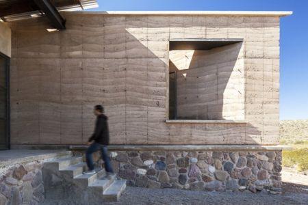 façade accès escalier pierre  - The Cave in Pilares par Greenfield - Coahuila, Mexique