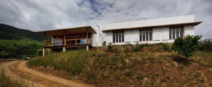 façade arrière - Dom-Vicoso-House par Brasil Arquitetura - Dom Viçoso, Bresil
