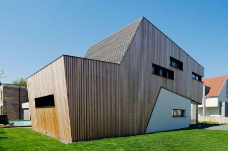 façade arrière - Maison bois béton par Ideaa architectures - Colmar, France - Photo Alain-Marc Oberlé