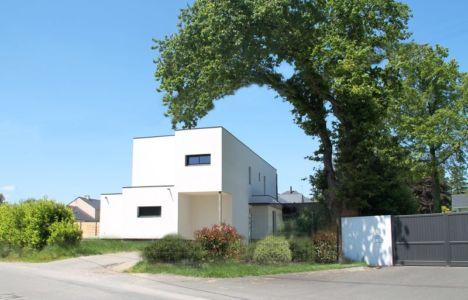 façade arrière - V&P - Maison contemporaine par Pascal Dupuis - France - Photo Jacky Abélard