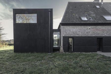 façade arrière et maison - Cliffs Impasse par ZIEGLER Antonin architecte - Senneville-sur-Fécamp, France