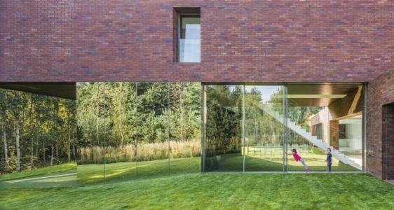 façade baie vitrée coulissante - maison exclusive par KWK Promes - Katowice, Pologne