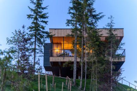 façade balcon - Deluxe Mountain Chalets par Viereck Architects - Styria, Autriche