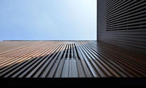 façade bois - Joly House par StuDO Architectes - Bangkok, Thaïlande