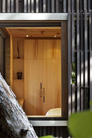 façade bois - Under Pohutukawa par Herbst Architects - Piha, Nouvelle-Zélande