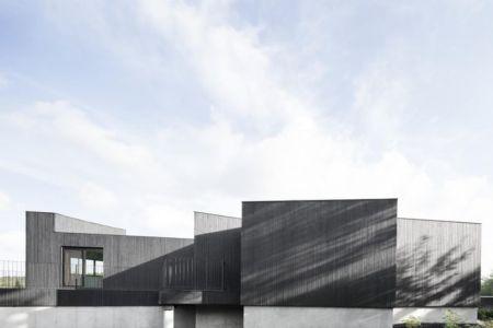 façade bois extérieure - La-Heronniere par Alain Carle Architecte - Québec, Canada