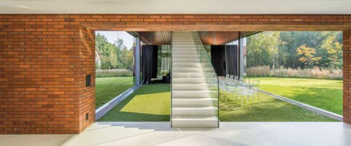façade briques & escalier accès étage - maison exclusive par KWK Promes - Katowice, Pologne
