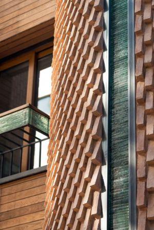 façade briques et verres - Kaveh-House par Pargar Architecture and Design Studio - Téhéran, Iran