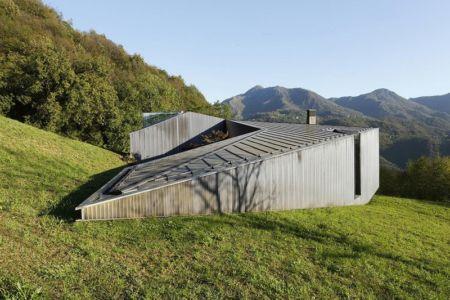 façade côté - Alps Villa par Camillo Botticini Architect - Brescia, Italie