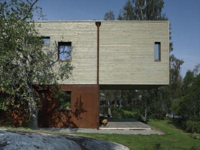 façade côté - PlayHouse par  Street Monkey Architects + Bjerking - Värmdö, Suède