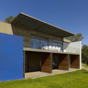 façade chambres et balcon - Villa T  par Boyer Percheron Assus architecture - Saint-Gély-du-Fesc, France