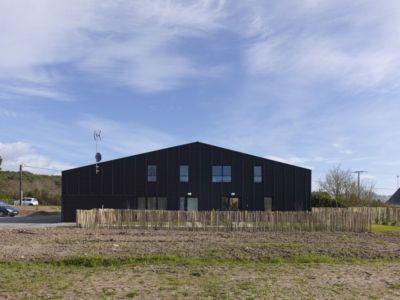 façade cloture - Etoile Noire par  Angélique Chedemois Architect - Guérande, France