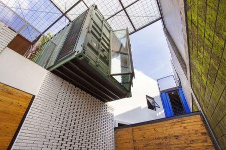 façade container - Container-Urban par Atelier Riri - Bekasi, Indonesie