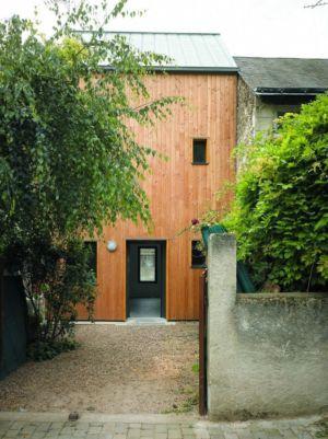façade cour - Agrandissement surévélavation par atelier 100 architecture - Tours, France