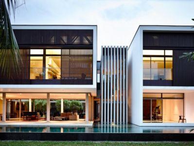 façade de nuit - 59BTP House par ONG&ONG - Singapour
