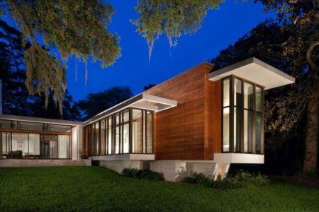 façade de nuit - Bray's Island SC Modern II par SBCH Architects - Sheldon, Usa