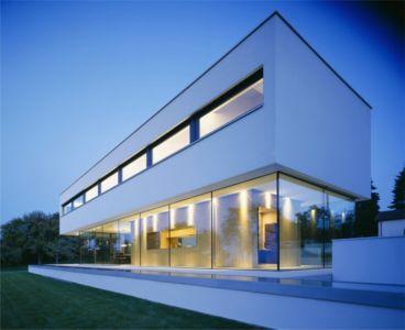 façade de nuit - House Philipp par Philipp Architekten - Waldenburg, Allemagne