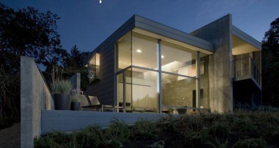 façade de nuit - Maison contemporaine béton par Cooper Joseph Studio - Sonoma, Usa