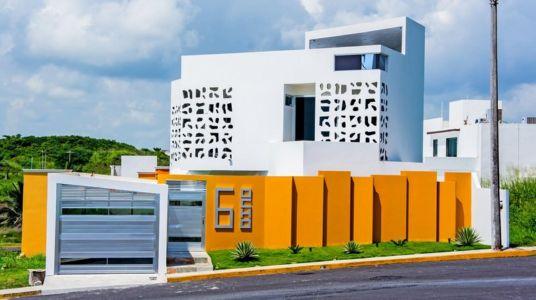 façade de nuit - Nest house par Gerardo Ars Arquitectura - Alvarado, Mexique