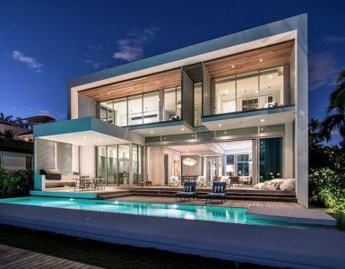 façade de nuit - Peribere Residence par Max Strang Architecture - Biscayne Bay, Usa