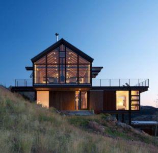façade de nuit - Sunshine Canyon House par Renée del Gaudio Architecture - Boulder, Usa
