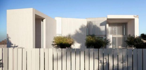 façade depuis rue - Sardinera House par Ramon Esteve Estudio - Valencian Community, Espagne